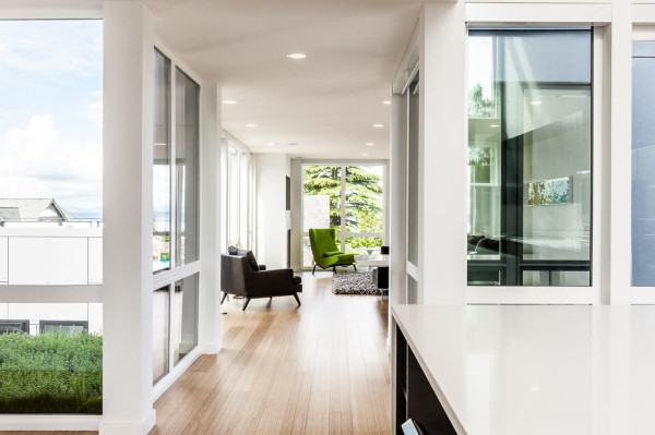 Aurea-Residence-Chris-Pardo-Elemental-11-living-room