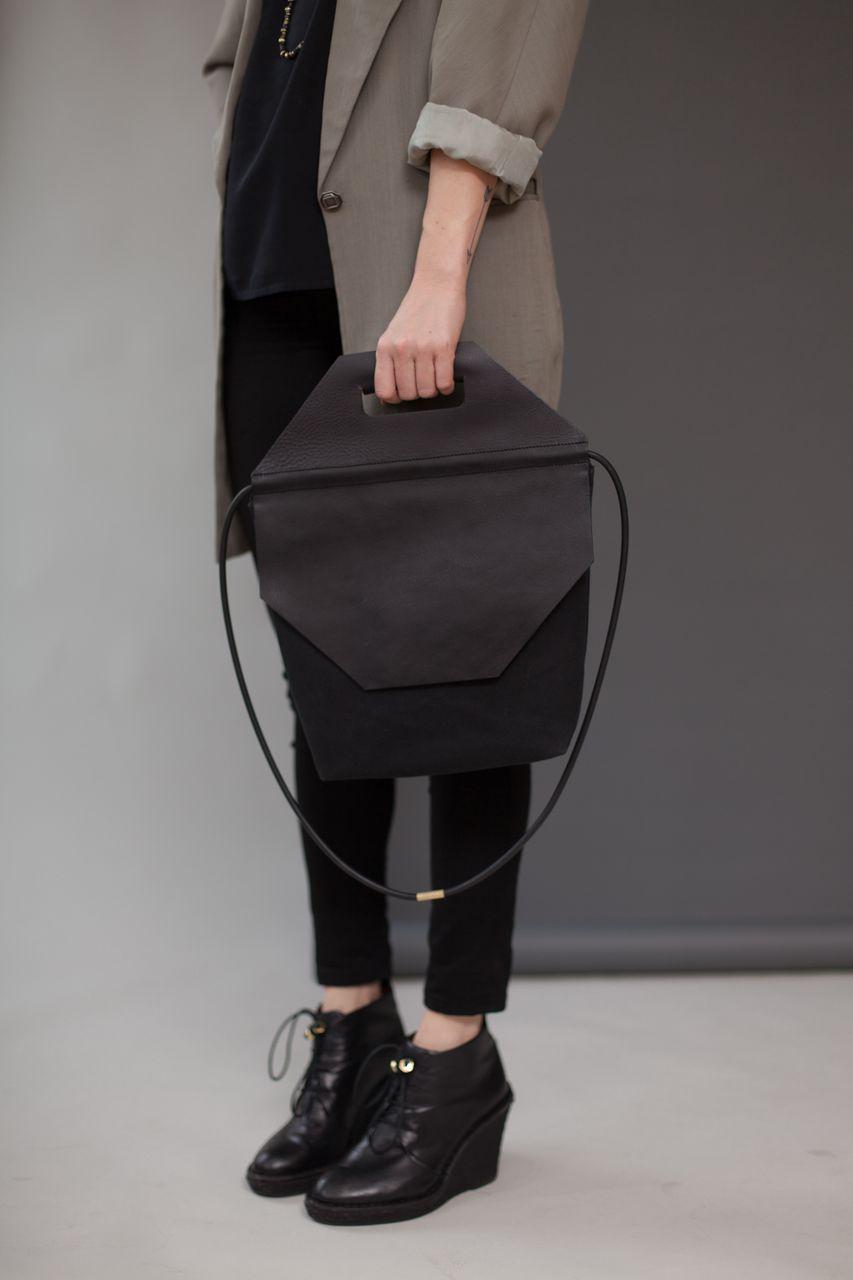 Chiyome-Hover-Bag-12-Stop-Bag