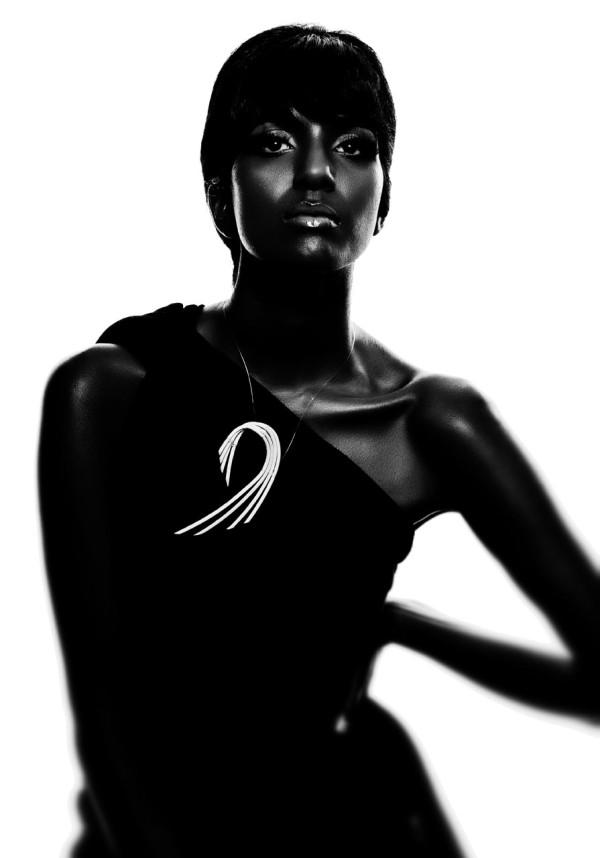 Design-Conquer-13-woman_pacifica_necklace