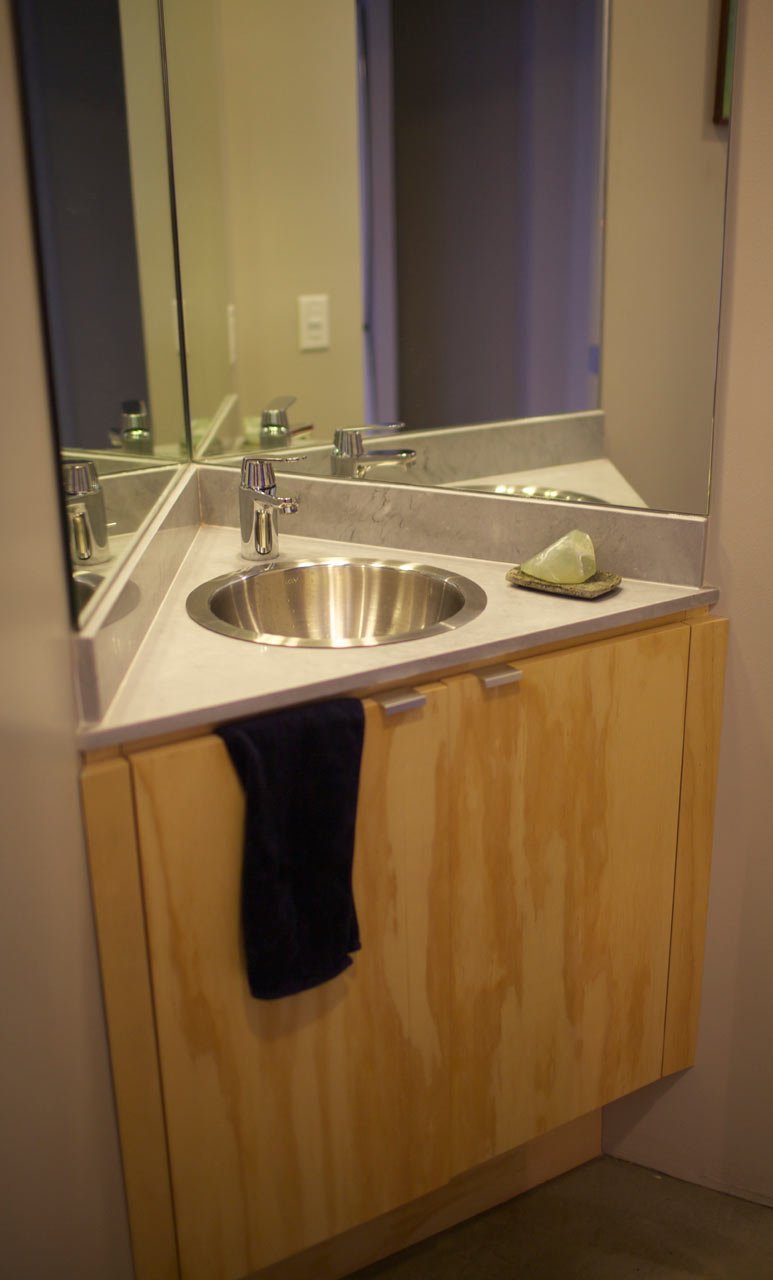 DoD-East-Tattuplex-11-bathroom