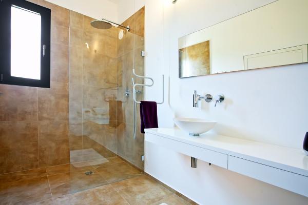 EcoDesign-Finca-Passive-House-23-bathroom