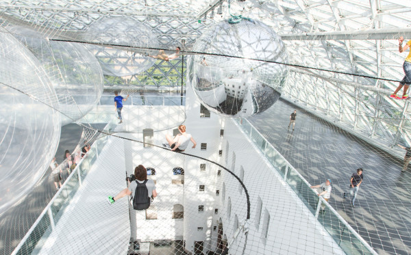 in orbit: A Gigantic Floating Installation by Tomás Saraceno in news events art  Category