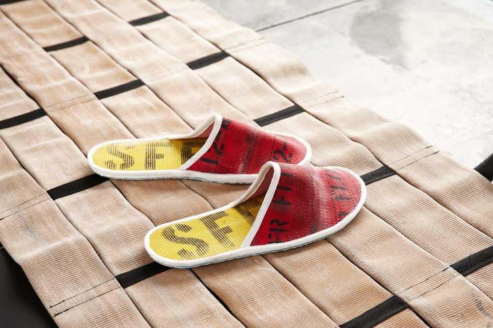 Oxgut-Hose-9-slippers