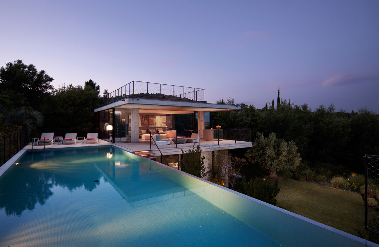 A Modern Getaway in the Gulf of St. Tropez