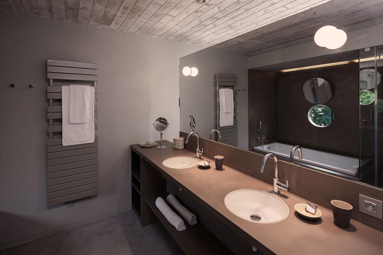 Private-House-St-Tropez-Bumper-15-bathroom
