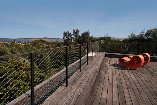 Private-House-St-Tropez-Bumper-19-deck