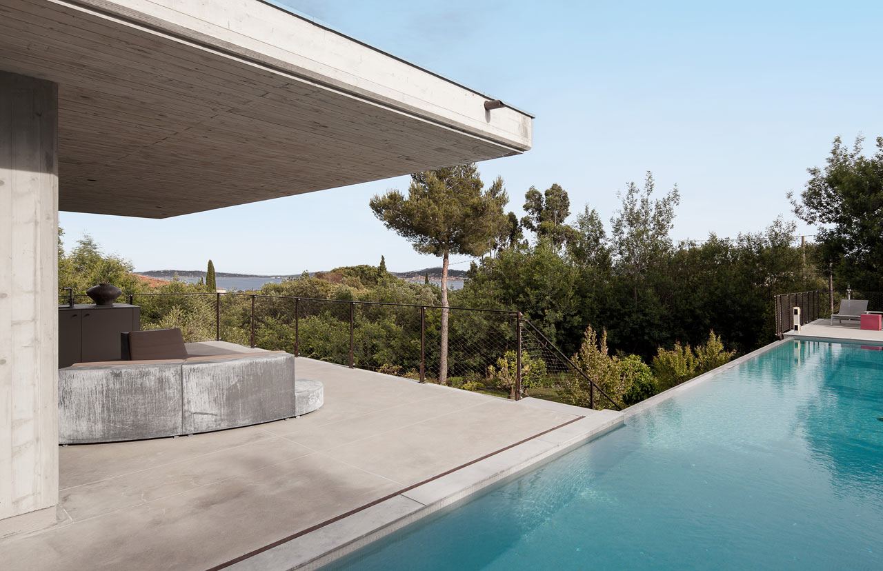 Private-House-St-Tropez-Bumper-3-pool
