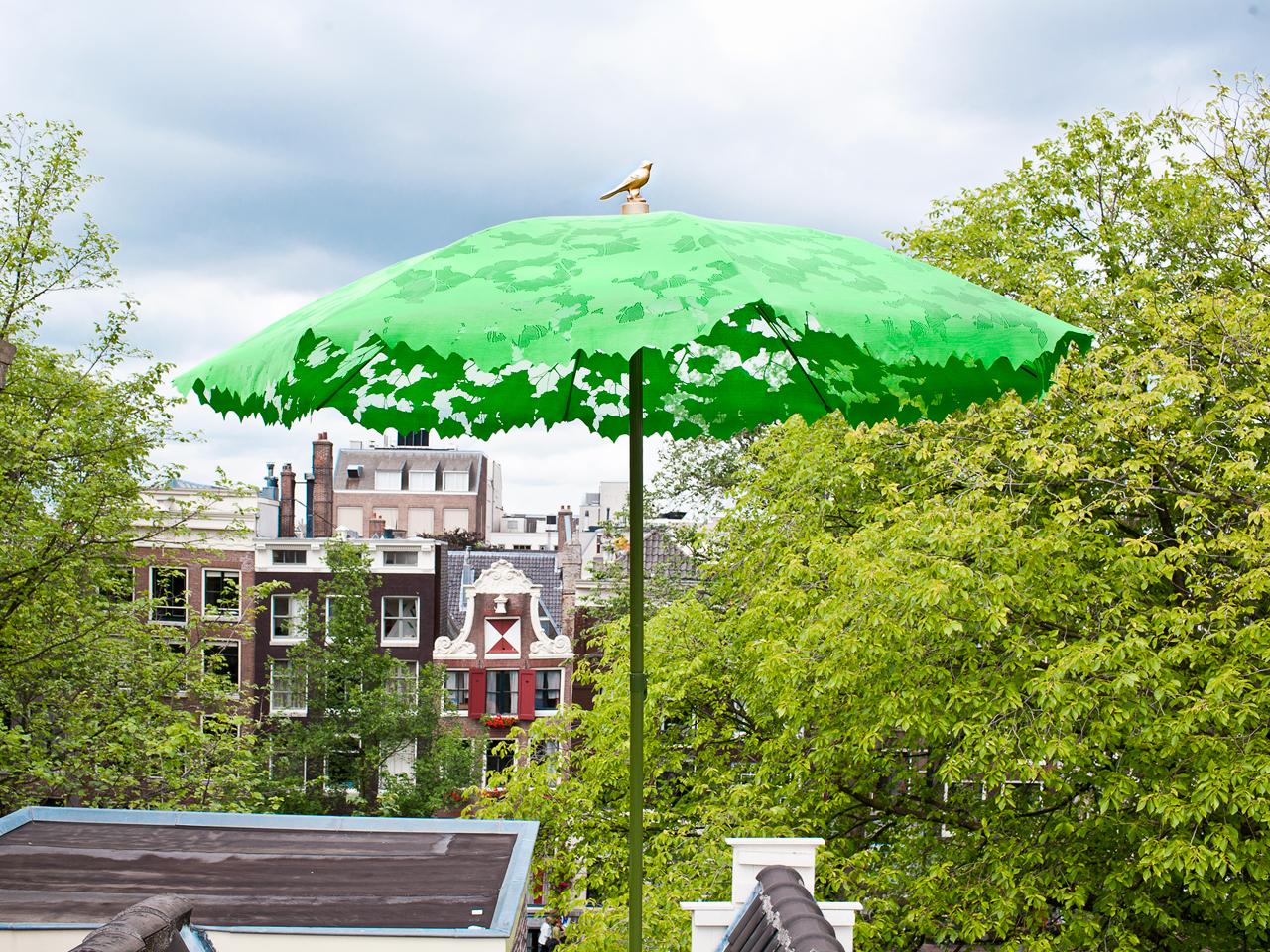 12 Modern Umbrellas We'd Be Happy to Sit Under