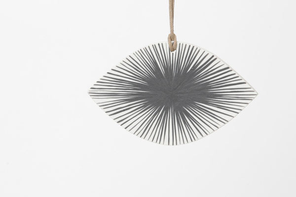 circular-eye-ornament-3