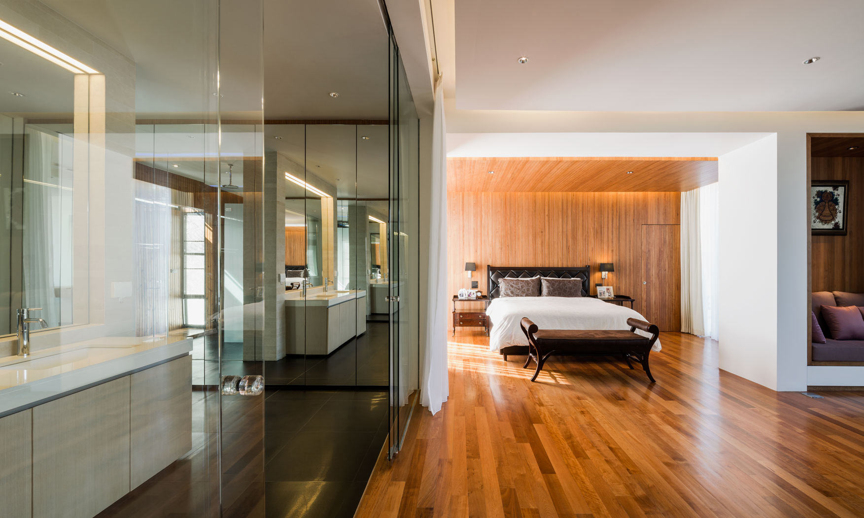 contemporary-bedroom-ensuite