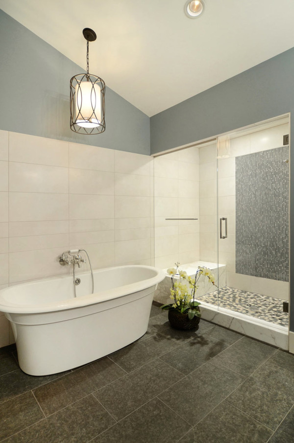 Contemporary ranch interior design by johnson associates for Ranch bathroom design