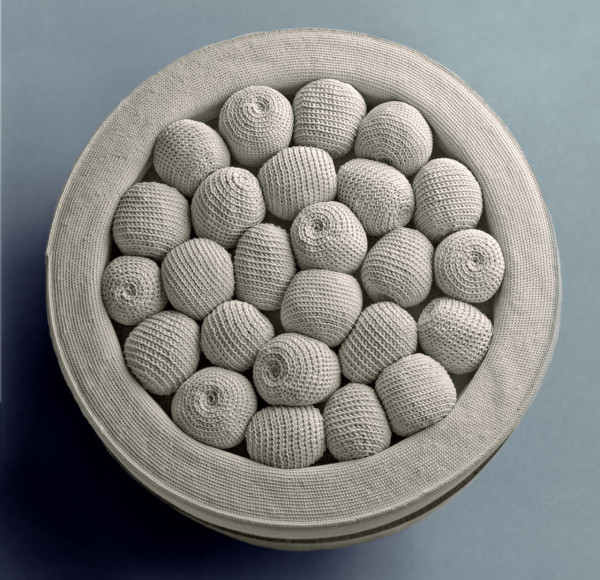 full-ring-ottoman-monomoka-upclose