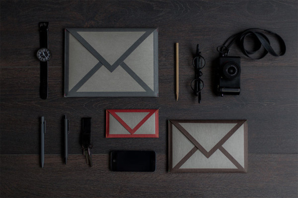 mail-icon-sleeve-ipad-iphone-little-factory