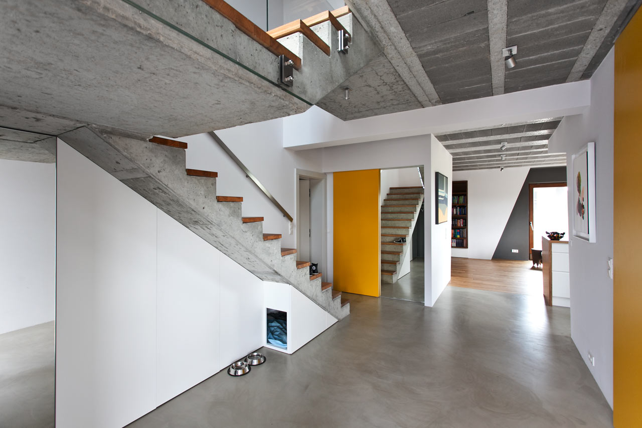 House design yellow - Cool Gray Meets Happy Yellow In This Angular Interior
