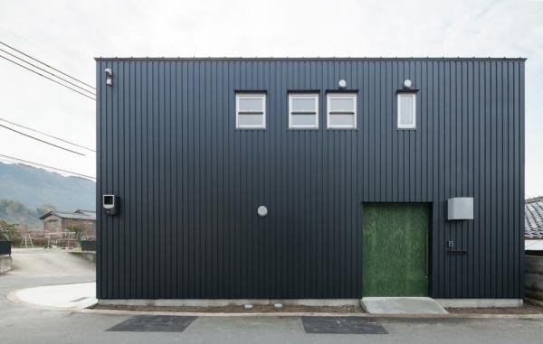 modern-japanese-danchi-house-front