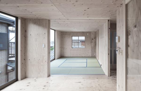 modern-japanese-danchi-house-plywood-interior-2