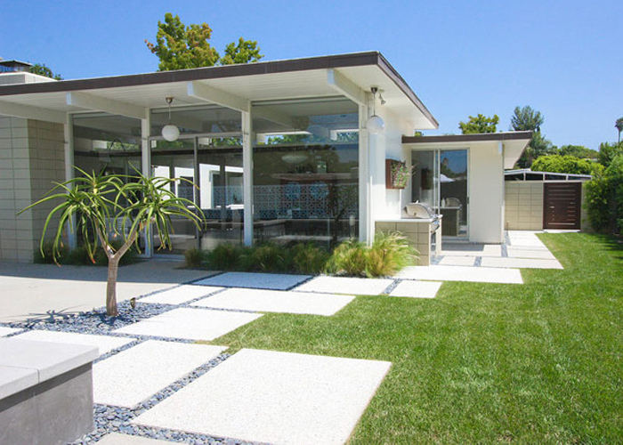 modern-patio-grounded