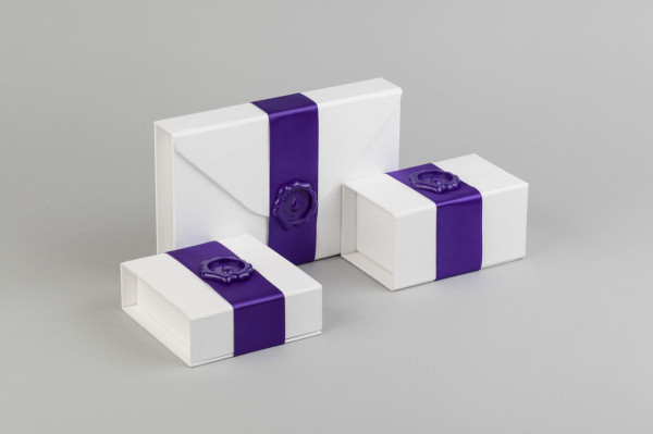 moo-luxe-family-stationery-packaging