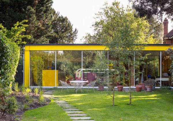 rogers-house-london-60s-modern-backyard