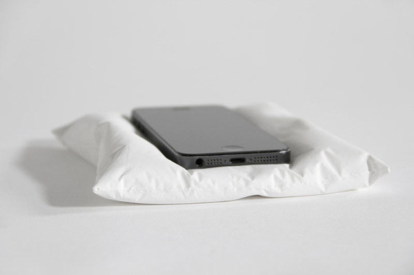 snarkitecture-phone-pillow-rest-5