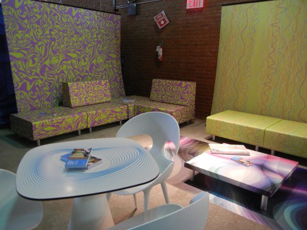 HP-Custom-Wallcoverings-10-HP-Lounge
