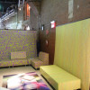 HP-Custom-Wallcoverings-9-HP-Lounge