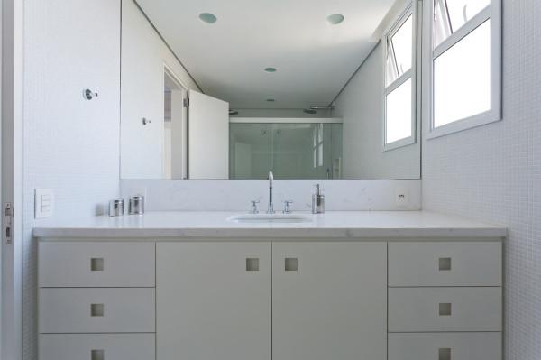 Leandro-Garcia-Ahu-61-Apartment-14-bathroom