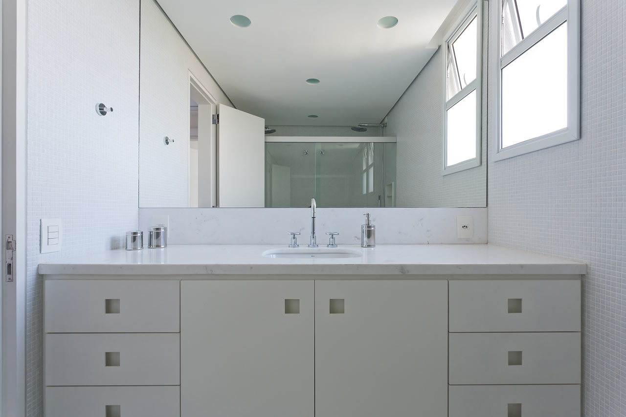 Leandro-Garcia-Ahu-61-Apartment-14-bathroom
