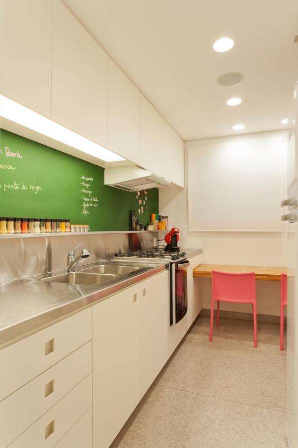 Leandro-Garcia-Ahu-61-Apartment-9-kitchen