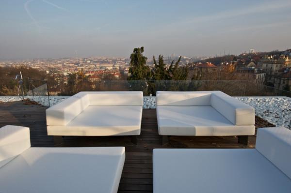 Villa-Malvazinky-de.fakto-Martin-Sladky-7-roof