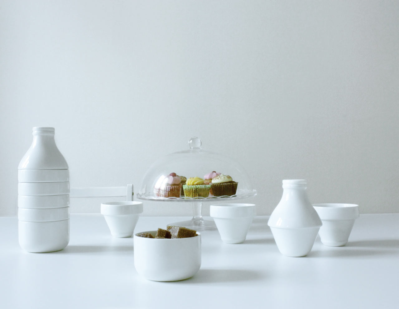 WITHMILK by DOIY: A Drinking Set Within A Bottle