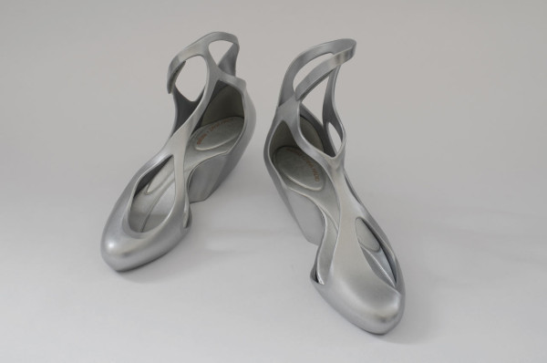 ZHA_Melissa-Shoes_by-David-Grandorge-7-silver