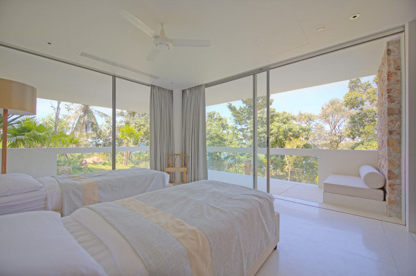 all-white-bedroom-villa