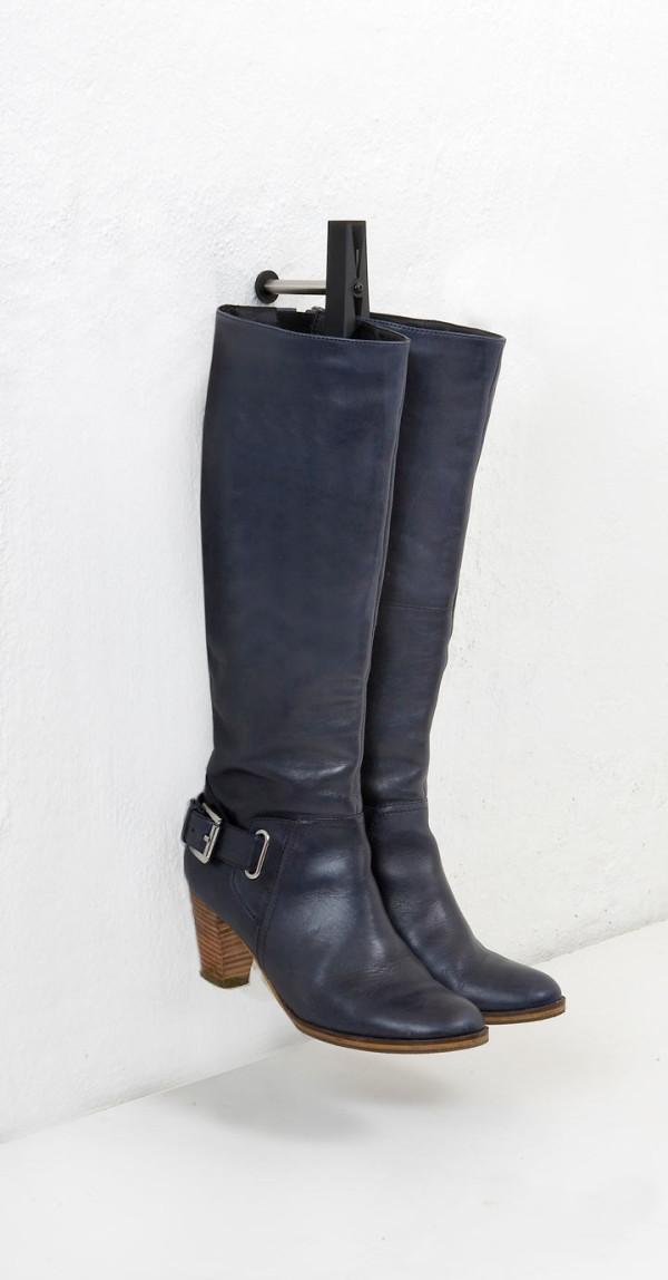 beak-wall-hook-clothen-pin-boots