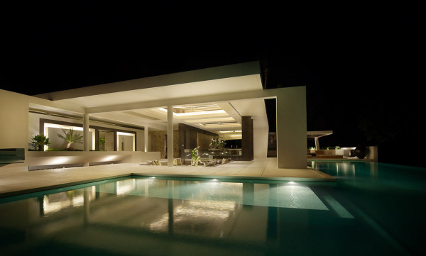 evening-pool-modern-house-design