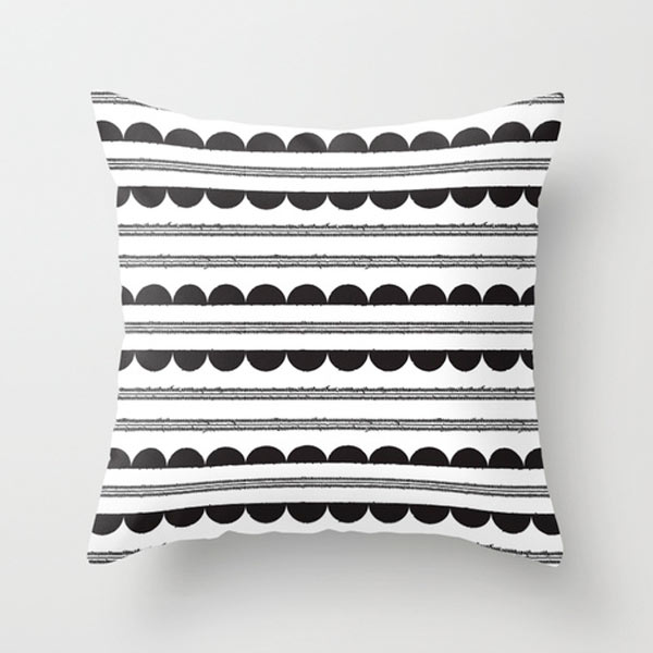half-moon-outdoor-pillow-s6