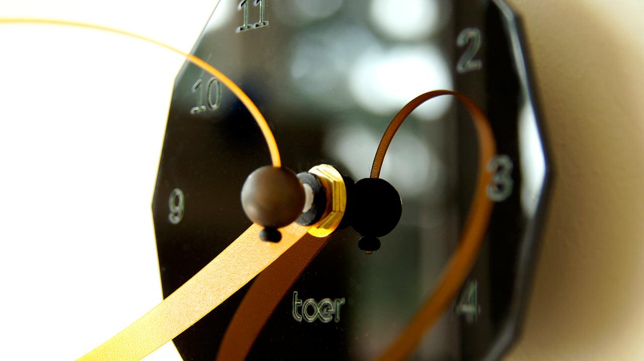 loop-clock-toer-detail