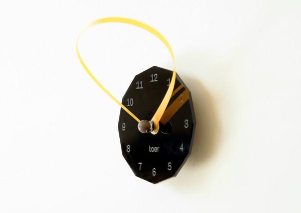 loop-clock-toer-side
