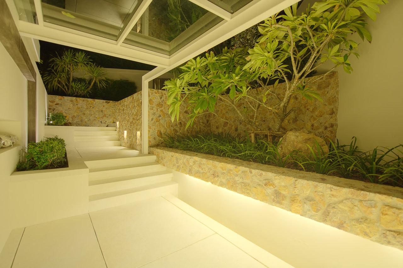 modern-landscaping-villa-thailand