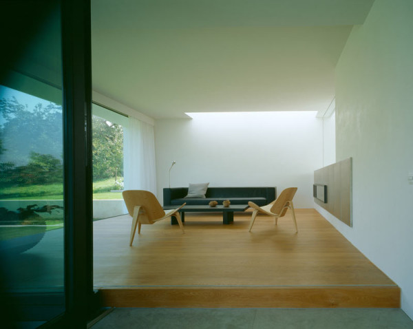 modern-white-home-interior-Philipp-Architekten-1