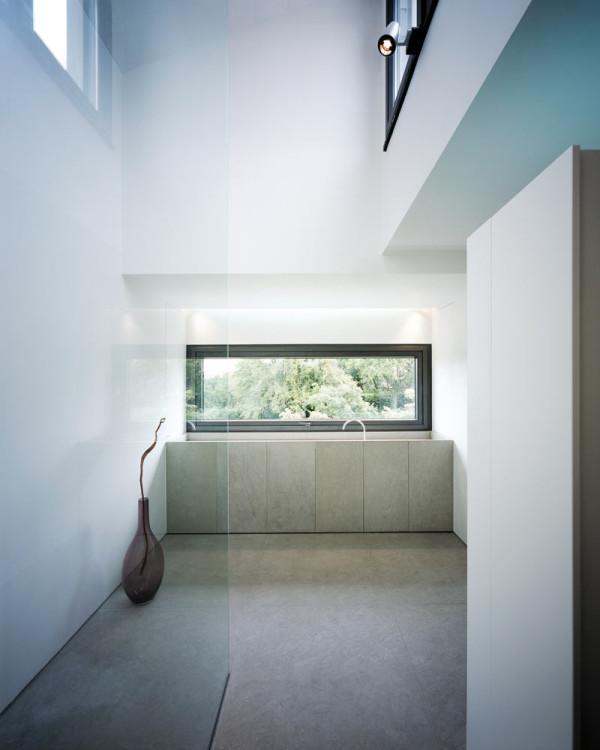modern-white-home-interior-Philipp-Architekten-10