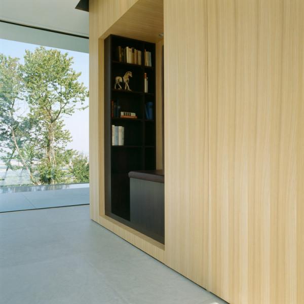 modern-white-home-interior-Philipp-Architekten-6