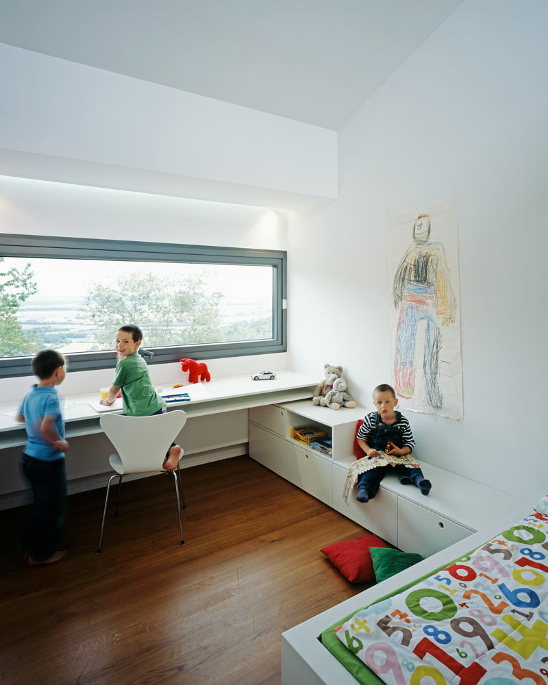 modern-white-home-interior-Philipp-Architekten-7