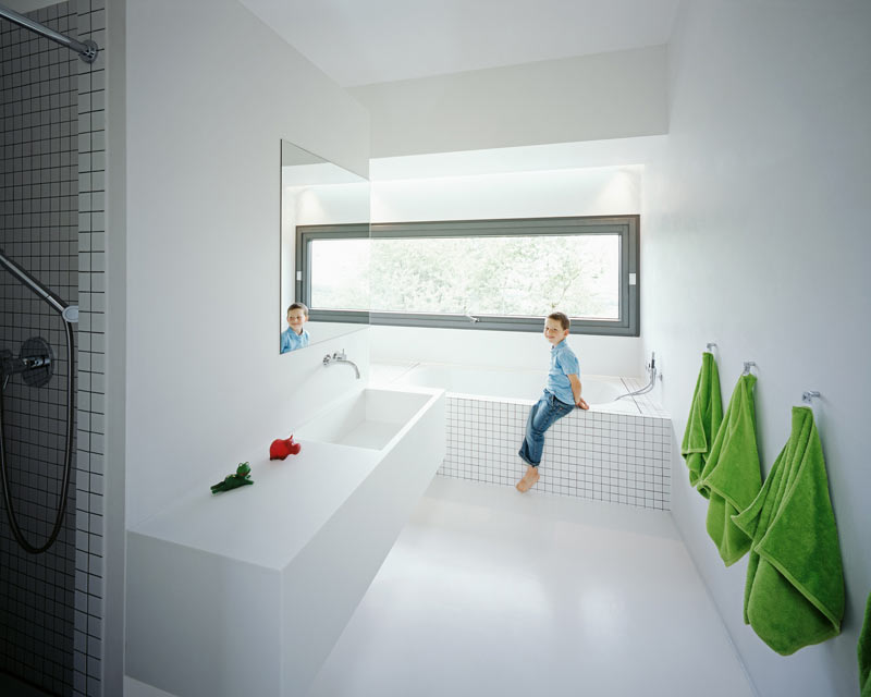 modern-white-home-interior-Philipp-Architekten-9