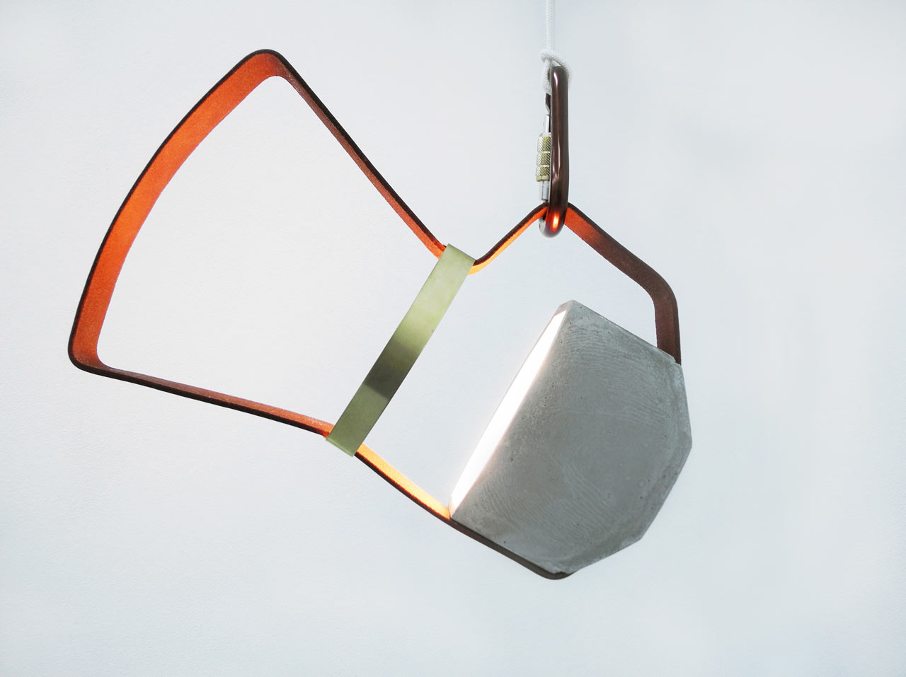 nomadic-light-concrete-leather-portable