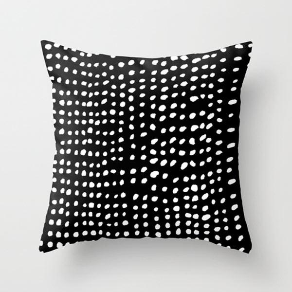 s6-dots-outdoor-pillow
