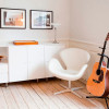 swan-chair-white-modern-room