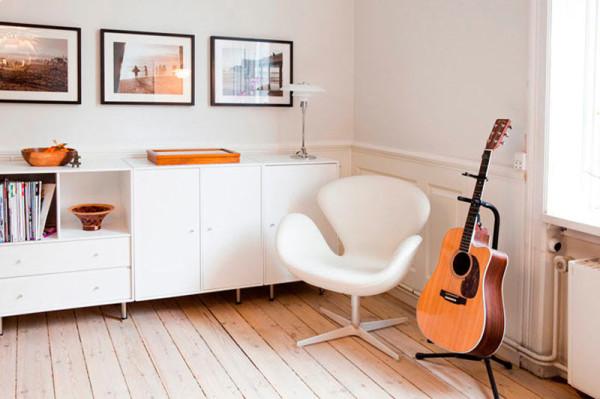 swan-chair-white-modern-room