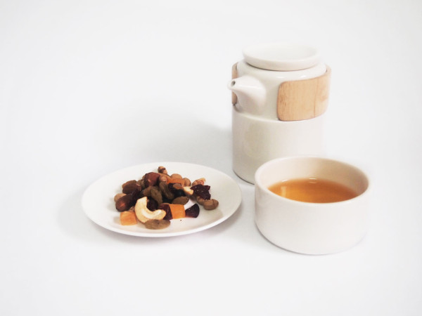 take-breath-ceramic-modern-tea-pot-serving