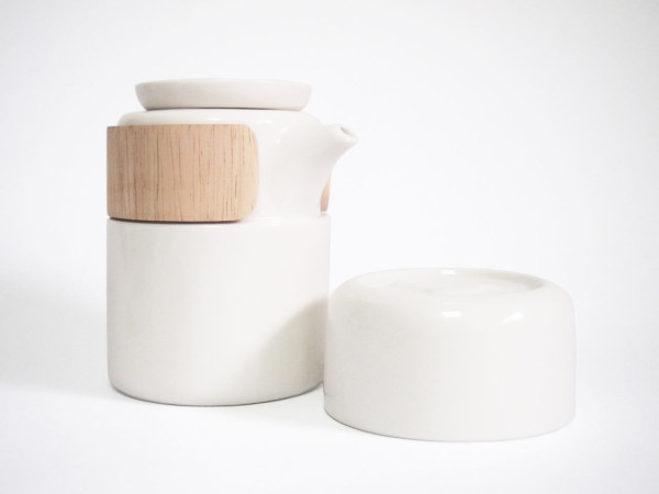 take-breath-ceramic-modern-tea-pot-white